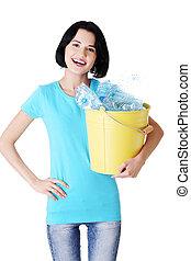 αποθήκη , recycling., γυναίκα , πλαστικός , ελκυστικός , κράτημα , bottles.