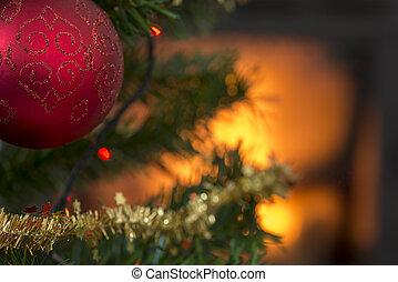 αριστερός μπάλα , επάνω , ο , παράρτημα , από , ένα , διακόσμησα , χριστούγεννα αγχόνη