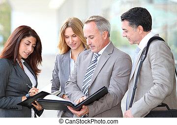 αρμοδιότητα ακόλουθοι , συνάντηση , σε , ένα , έκθεση