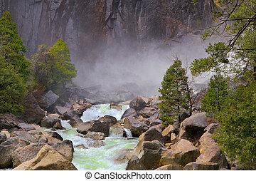 ασαφής , ποτάμι , βουνό