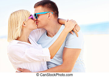ασπασμός , ζευγάρι , παραλία , ευτυχισμένος