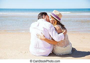 ασπασμός , ζευγάρι , παραλία , νέος
