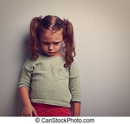 ατενίζω , πονώ , εγκαταλειμμένος , face., άθυμος , κάτω , closeup , πορτραίτο , παιδί
