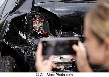 ατύχημα , γυναίκα , ασφάλεια , ελκυστικός , αυτοκίνητο , φωτογραφία , οδηγός , σκάρτος , μετά , αξιώ , ευκίνητος τηλέφωνο