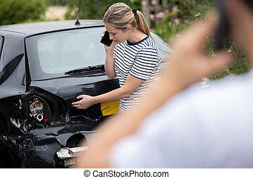 ατύχημα , γυναίκα , καλώ , ασφάλεια , αυτοκινητιστής , οδηγός , μετά , αρσενικό , τηλέφωνο γκρουπ