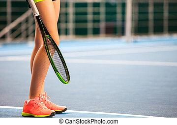 αυλή , τένιs , νέος , κλειστός , δικτυωτό διά το κτύπημα σφαίρας τέννις , κορίτσι , γάμπα