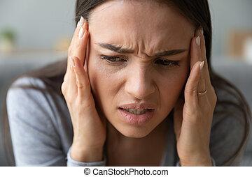 αυστηρός , πονοκέφαλοs , καρδιοκτύπι , ημικρανία , ή , ...
