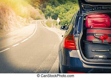 αυτοκίνητο , δρόμοs , βαλίτσα