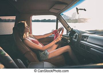 αυτοκίνητο , οδήγηση