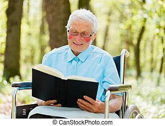 αφηγητής , ηλικιωμένος