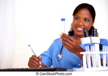 αφρο-αμερικανός , νοσοκόμα , ατενίζω , αναφορικά σε ανάλυση , σωλήνας