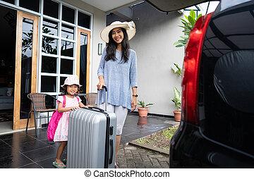βάζω , αυτοκίνητο , βαλίτσα , κιβώτιο , μητέρα