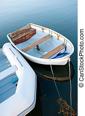 βάρκα , νωρίs το πρωί