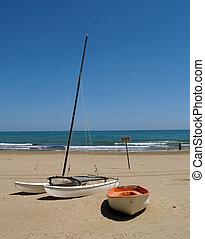 βάρκα , παραλία