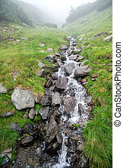 βγάζω τα κουκούτσια , βουνό , βρυώδης , γρήγορα , ρεύση , ποτάμι