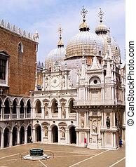 βενετία , δόγης ανάκτορο