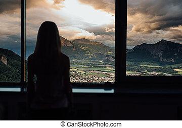 βουνά , γυναίκα , περίγραμμα , λιακάδα , παράθυρο , ηλιοβασίλεμα , βλέπω