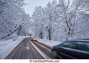 βουνά , δρόμοs , άμαξα αυτοκίνητο