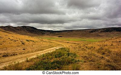 βουνήσιος γραφική εξοχική έκταση , βροχή , πριν