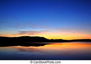 βουνό , πριν , ανατολή , λίμνη , πρωί