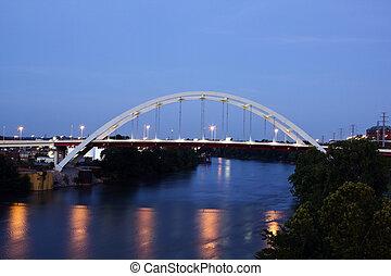 γέφυρα , μέσα , nashville