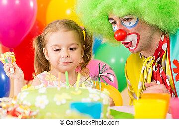 γελωτοποιός , γενέθλια , παιδί , αναγνωρισμένο πολιτικό κόμμα δεσποινάριο , ευτυχισμένος
