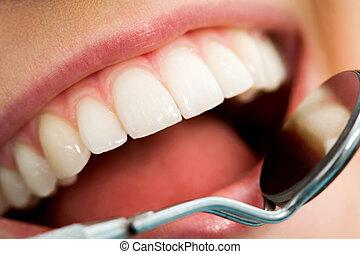 γενική εξέταση υγείας , στόμα