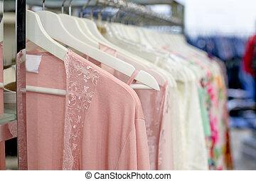 γενική ιδέα , δαντέλλα , σιφόνι , μόδα , γυναίκα , peignoir., δαντελένιος , σουτιέν , διαφορετικός , underwear., lingerie., βρακί , βράδυ , ψώνια , γραφικός , μεγάλος , εκλεκτός , γκαρνταρόμπα , ελκυστικός προς το αντίθετον φύλον , διαφανής , γυναίκεs , shopping., romance.