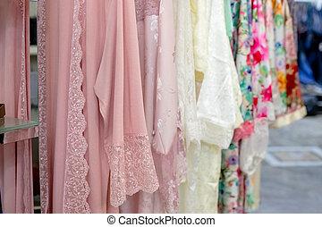 γενική ιδέα , δαντέλλα , romance., colors., γυναίκα , βλέπω , peignoir , παστέλ , διαφορετικός , underwear., lay., ανώτατος , lingerie., διαμέρισμα , βράδυ , ψώνια , γραφικός , μεγάλος , ατημέλητος , εκλεκτός , γκαρνταρόμπα , ελκυστικός προς το αντίθετον φύλον , μετάξι , ρόμπα , γυναίκεs , shopping., μόδα