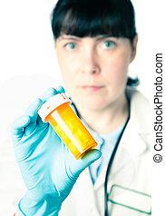 γιατρός , ή , φαρμακοποιός , κράτημα , ένα , δέμα από ανιαρός