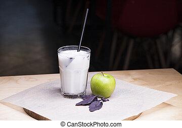 γινώμενος , μήλο , υγρό , κύπελο , πίνω , - , γυαλί , ayran, ransparent, πράσινο , γιαούρτι