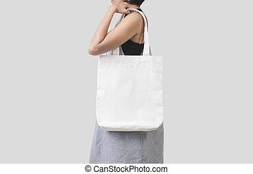 γκρί , καμβάς , ύφασμα , mockup, απομονωμένος , τσάντα , φόντο. , κράτημα , κενό , κορίτσι , φόρμα