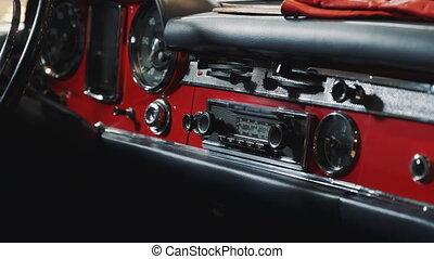 γκρο πλαν , αυτοκίνητο , πίνακας οργάνων , κατάλογος ένορκων , κόκκινο , retro