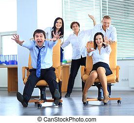 γραφείο , εργαζόμενος , δουλειά , αγώνας , αστείο , καρέκλα , έχει , ευτυχισμένος