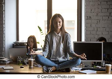 γραφείο , κάθονται , αυτοσυγκεντρώνομαι , εργάτης , ακριβής , γραφείο
