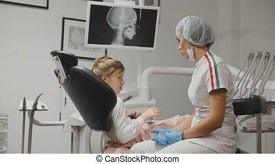 γραφείο , συμβουλή , αμπάρι , bracito., οδοντίατρος , ορθοδοντίατρος , δόντια , άγαλμα , ακτίνες χ , αποδεικνύω