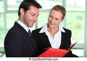 γραφική δουλειά , ζευγάρι , ατενίζω , επιχείρηση