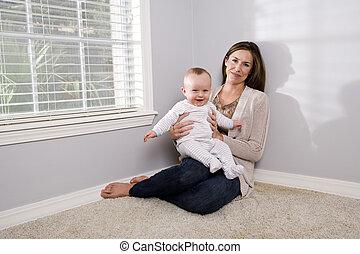γριά , έξι , μήνας , κράτημα , μητέρα , μωρό , ευτυχισμένος