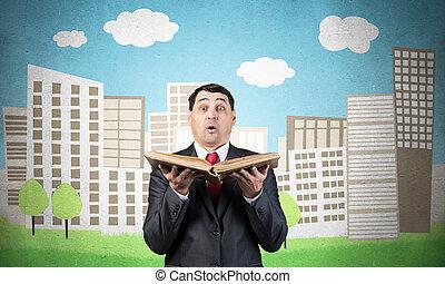 γριά , επιχειρηματίας , έκπληκτος , βιβλίο , κράτημα , ανοίγω