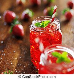 γριά , ζωηρός , κοκτέηλ , φράουλα , διαμορφώνω , δοχεία , κόκκινο
