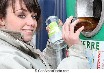 γυαλί , γυναίκα ανακυκλώνω , δέμα