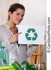 γυναίκα ανακυκλώνω , γυαλί , και , αγαλματώδης δέμα