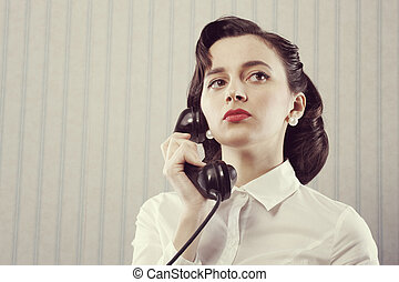 γυναίκα αποκαλύπτω , αναμμένος τηλέφωνο