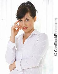 γυναίκα αρμοδιότητα , γραφείο