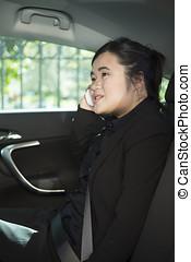 γυναίκα αρμοδιότητα , εργαζόμενος , αυτοκίνητο , πίσω , ασιάτης