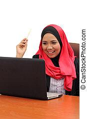 γυναίκα αρμοδιότητα , laptop , μουσελίνη , νέος , ασιάτης , χαμογελαστά