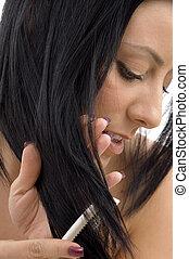 γυναίκα , αυτήν , πάνω , μαλλιά , διερευνώ συστηματικά , κλείνω