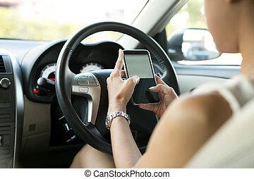 γυναίκα , αυτοκίνητο , κινητός , κάθονται , τηλέφωνο , texting , χρήση , οδήγηση , χρόνος