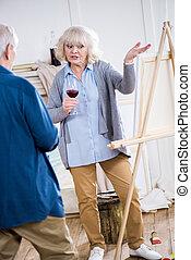 γυναίκα , γυαλί , λόγια , ευσυγκίνητος , αρχαιότερος , κρασί , άντραs