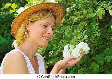 γυναίκα , κηπουρική , ελκυστικός , - , νέος , χιονόμπαλα , προσοχή